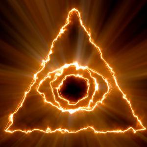 Ett brinnande öga i en pyramid mot svart bakgrund.