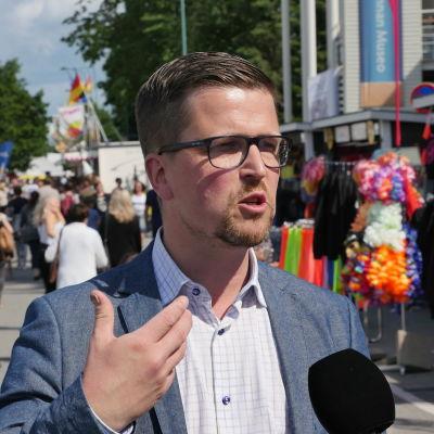 Filmskaparen Klaus Härö på Suomi-areena 2015.