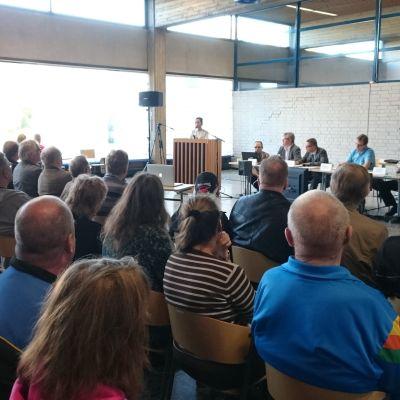 Kauhavabor diskuterar asylförläggning