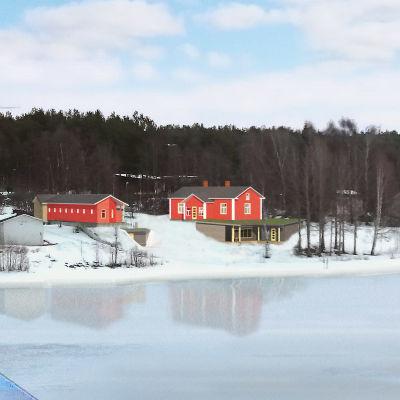 Havainnekuva Rovaniemen Katajarantaan suunnitellusta julkisest saunasta