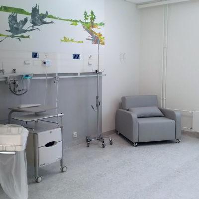 Tyhjä potilashuone sairaala Novassa