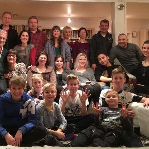 Kaisa Häkkiselle tärkeintä elämässä on perhe. Suku kokoontuu yhteen aina jouluna, juhannuksena ja vappuna.