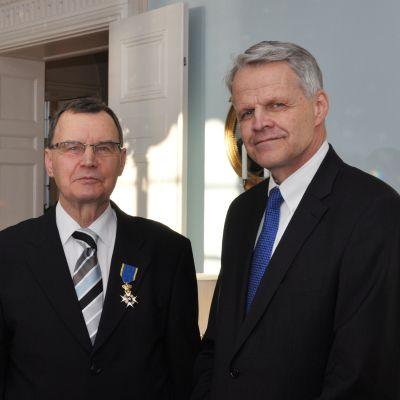 Peter Heinström har utnmänts till Riddare, första klassen, av Kungliga Nordstjärneorden. Ambassadör Anders Lidén överräckte orden.
