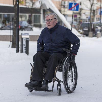 Arto Lappalainen Kokkolan keskustassa.
