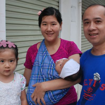 Kinesisk familj med två barn