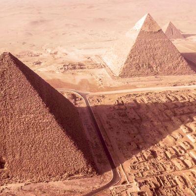 Egyptin pyramidit kiinnostavat tutkijoita.