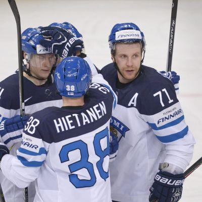 Finland firar ett mål