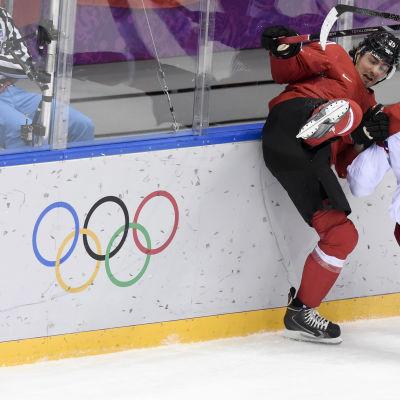 Frågan är om OS-turneringen i Sotji blev den sista med NHL-stjärnor bredvid de olympiska ringarna.