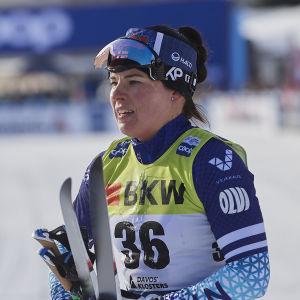Krista Pärmäkoski efter målgång i Davos.
