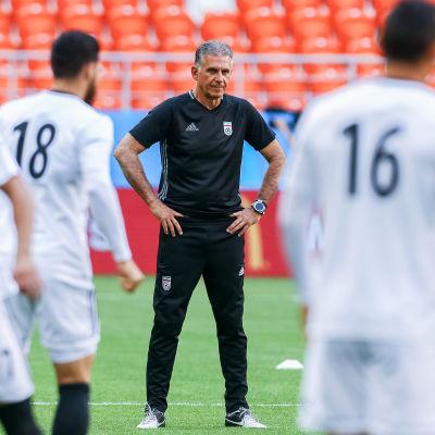 Tränaren Carlos Queiroz inför Irans sista gruppspelsmatch i VM i Ryssland.