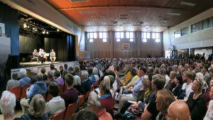 Kuhmon muistoille -konsertti kamarimusiikkijuhlilla 2016 veti Kontion koulun salin täyteen.