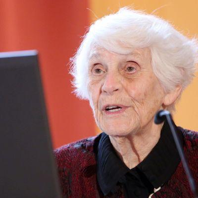 Ingeborg Syllm-Rapoport, världens äldsta doktorand.