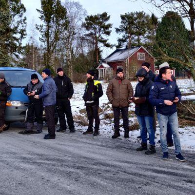 Turkistarhaajat pyrkivät estämään elävien siitoskettujen vientikuljetuksen Kokkolassa 17. tammikuuta 2020.