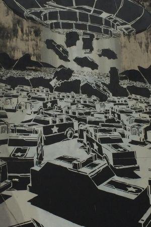 Graffiti av pansarfordon i svartvitt