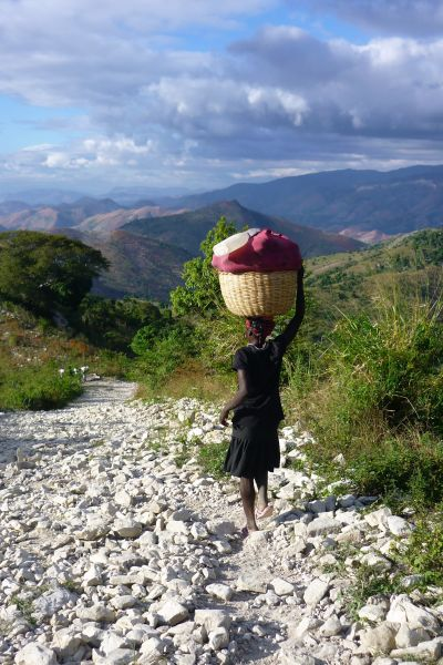 Mödrar i Haiti bär det tyngsta lasset efter upprepade naturkatastrofer.