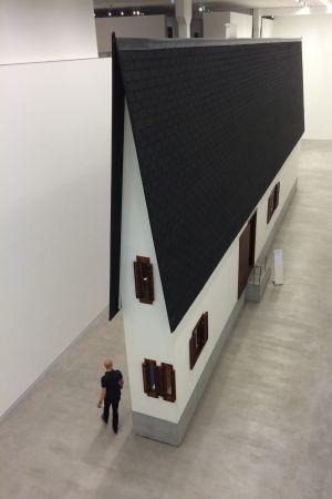 Erwin Wurm: Narrow House