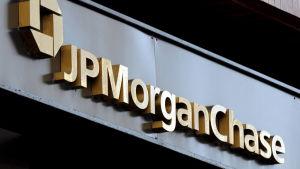 Skylt med texten JP Morgan Chase i new York år 2016.