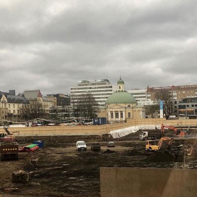 Salutorget i Åbo är uppgrävt i november 2018, då där ska byggas en underjordisk parkering.