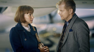 Johanna (Leena Pöysti) ja Max (Antti Luusuaniemi)