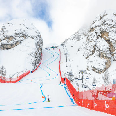 Olympia della Tofane-backen i Cortina d'Ampezzo står redo för VM i alpint i februari 2021.