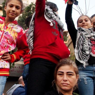 Hauras Libanon painii poliittisen kriisin ja maailman suurimman pakolaismäärän kanssa.