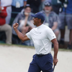 Tiger Woods gjorde sex birdies under sin andra runda i The Masters.