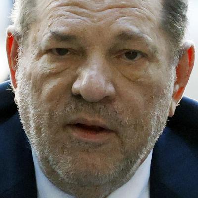 Harvey Weinstein dömdes till 23 år i fängelse den 11 mars. Dessutom väntar fler rättegångar mot honom.