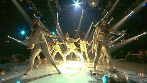 Dansgrupp på MGP scenen