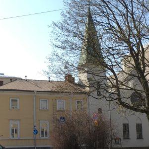 Vasa baptistkyrka finns i stadsmiljö.