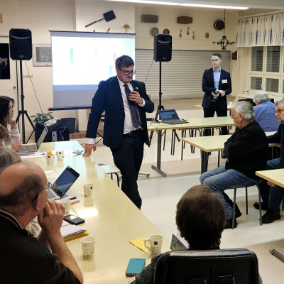 informationsmöten i Korsholm kring en eventuell kommunsammanslagning i Replot-Björkö skola.