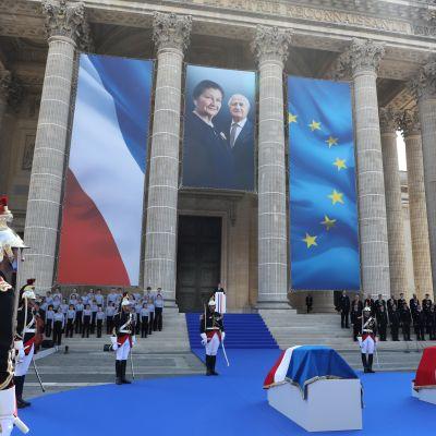 Ranskan presidentti Emmanuel Macron puhui Simone ja Antoine Veilin hautajaisissa Pariisin Panthéonissa.