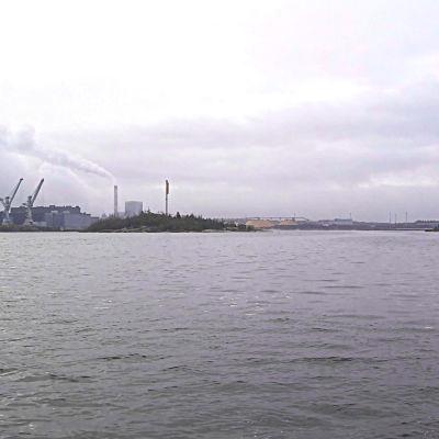Kaksi luotoa Rauman sataman edustalla