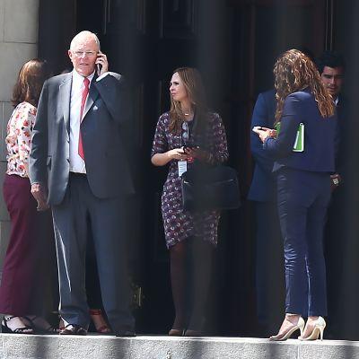 Perus avgående president Pedro Pablo Kuczynski lämnar presidentpalatset efter sitt tal till nationen