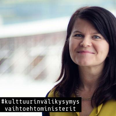Kansanedustaja Outi Alanko-Kahiluoto (vas.)