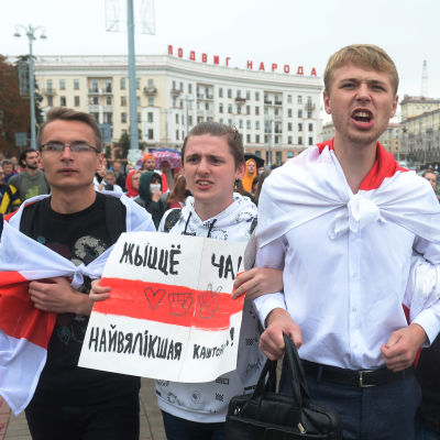 Studerande som demonstrerar i Minsk 1.9.2020.