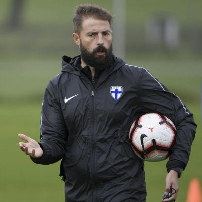 Joaquin Gomez har varit assisterande tränare i Finlands U21-herrlag.