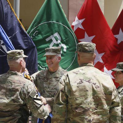 Yhdysvaltain Afganistanin joukkojen komentajan vaihdos