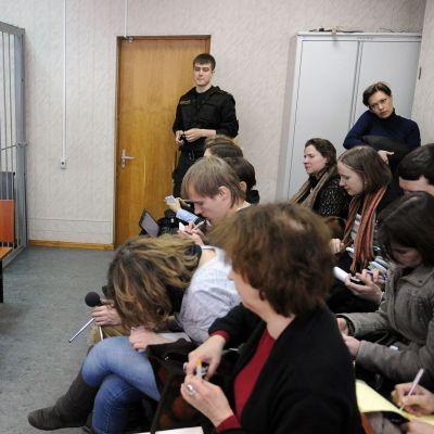 Svarandes bås är tomt i rättegång mot Magnitskij i mars 2013