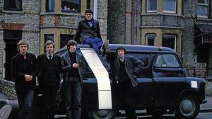 Pink Floyd i Cambridge 1965. Syd Barret på biltaket.