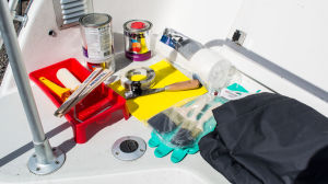 Giftfärger för båtbotten samt utrustning på bakdäck till en TG-5900