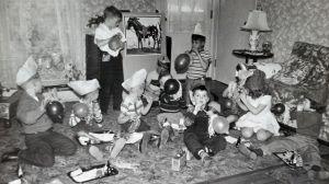 Svartvitt bild på barnkalas från femtiotalet
