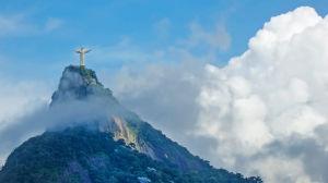 Jesus-statyn på bergstoppen i Rio De Janeiro i Brasilien