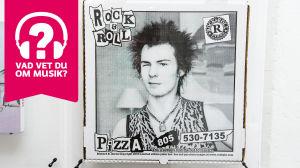 Konstplansch med svartvitt foto på Sid Vicious från Sex Pistols