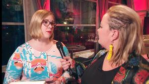 Michaela von Kügelgen intervjuas av Kia Svaetichin på Yle Fems litteraturfest