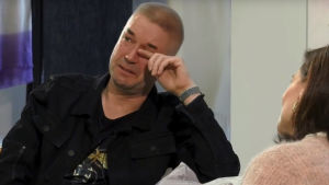 Marco Bjurström faller i gråt i intervjuprogrammet En önskan.