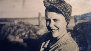 """Alice Liljeberg som ung. Foto ur dokumentären """"Herbert och Alice""""."""