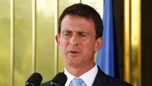 Premiärminister Manuel Valls är betydligt mer populärare än sin partikamrat, president Francois Hollande. Valls har inte ännu beslutat om han ställer upp i socialisternas primärval
