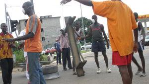 Protest i Elfenbenskusten dumpningen av hälsofarligt avfall 2006.