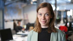 Porträtt av undervisningsminister Li Andersson.