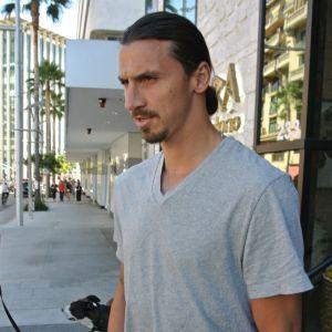 Zlatab Ibrahimovic på gatan i Beverly Hills i måndags.